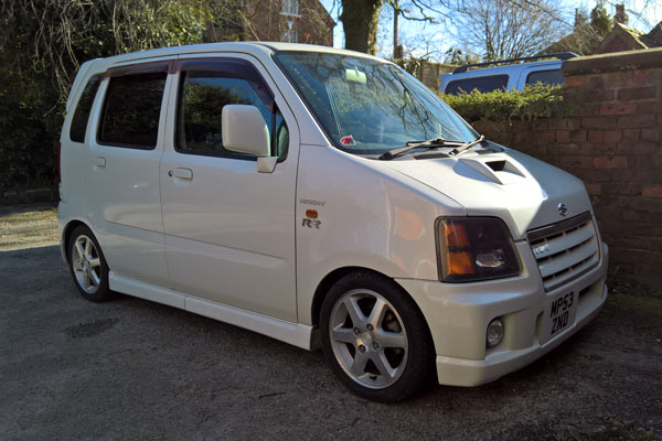 An MC22S Suzuki Wagon R RR with RSR DOWN suspension